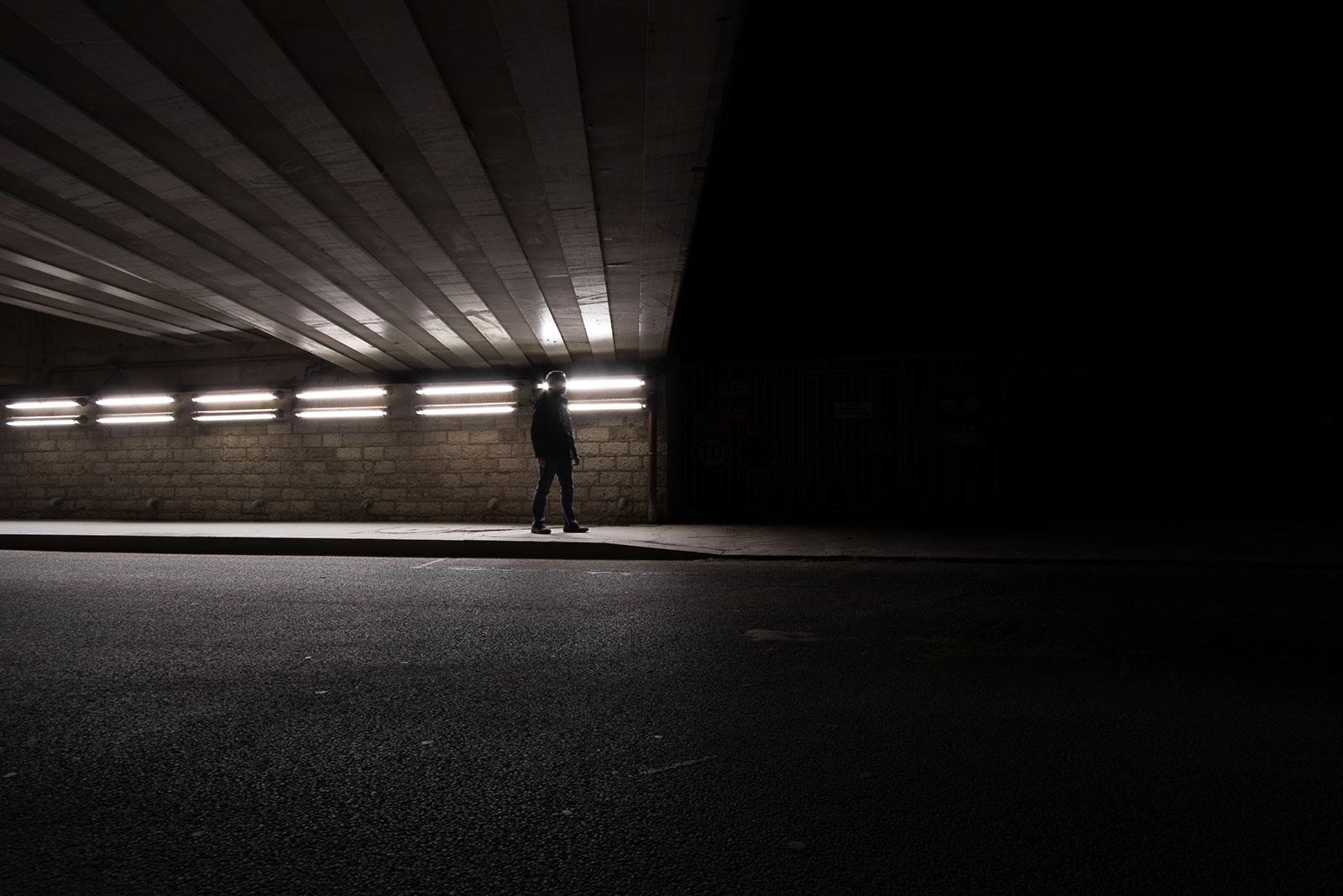 Avalé par les ténèbres - photographie de nuit narrative