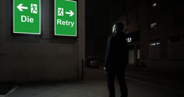 Vignette Die and retry - photographie conceptuelle de nuit