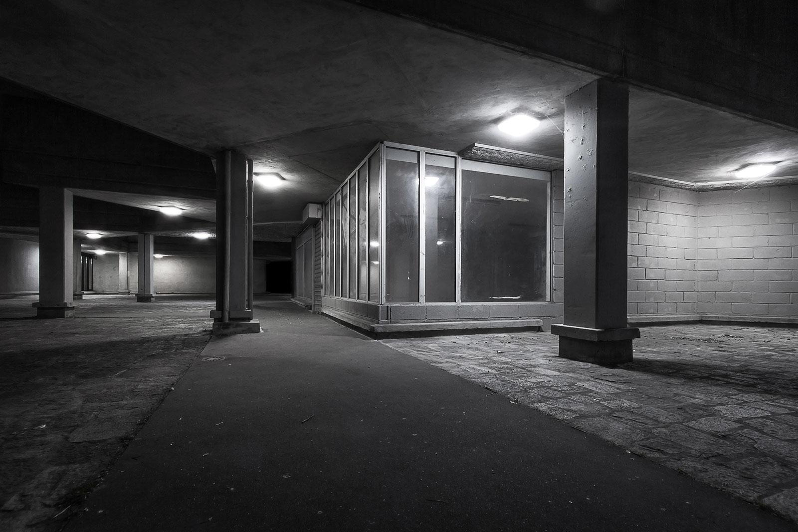 Au milieu de nulle part - Photographie urbaine de nuit