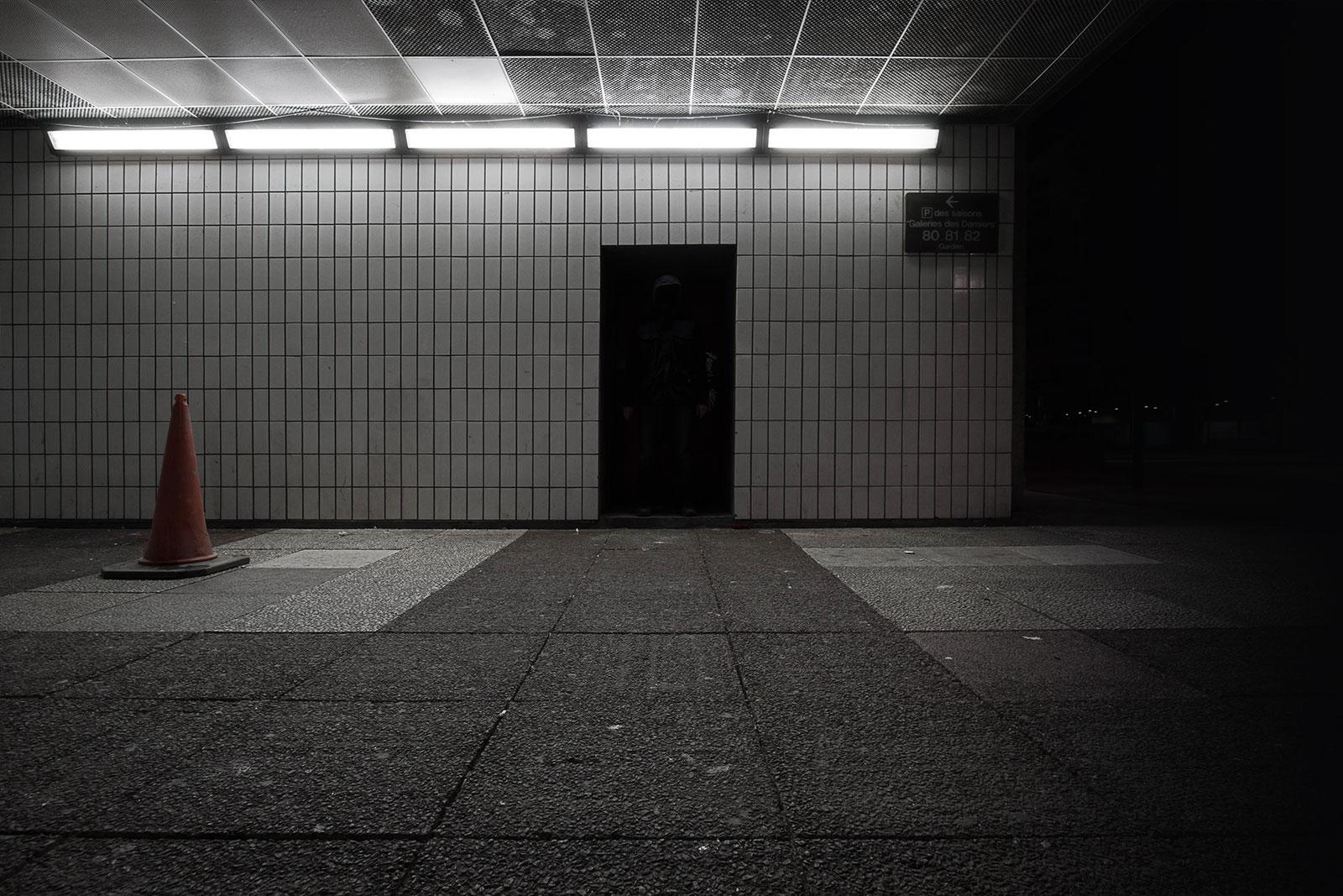 Où est Charlie 2 ? Photographie de nuit conceptuelle