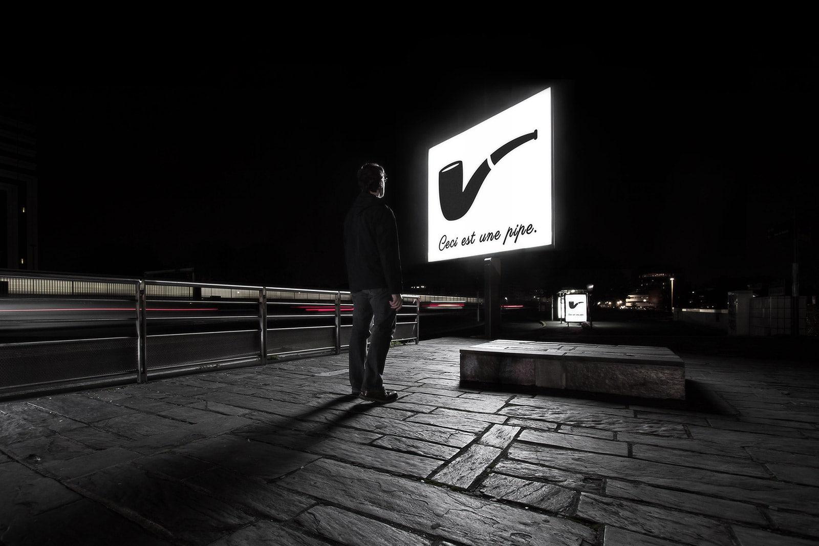 La trahison des mots- Photo de nuit conceptuelle