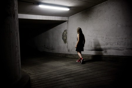 A bit like Alice : Tumbling down the rabbit hole - photographie narrative et conceptuelle