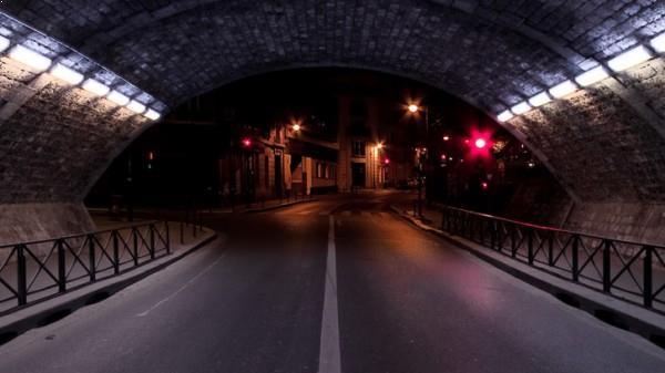 Au bout du tunnel - photo de nuit urbaine