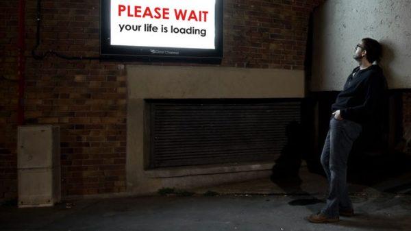 Vignette - waiting-line-photographie-nuit-conceptuelle