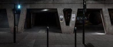 Outside the bunker - photographie urbaine de nuit- Vignette